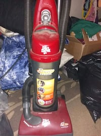 Dirt Devil vacuum cleaner works great Miamisburg, 45342