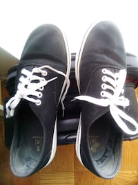 pair of black Vans low-top sneakers Lanham, 20706