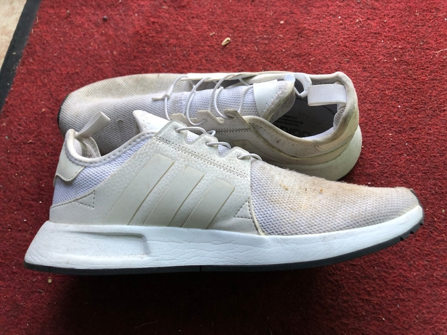 Adidas Xplr White shoes usado en venta en Long Beach letgo