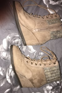 Size 6 suede winter boots color tan Allenstown, 03275