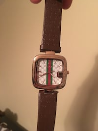 square gold-colored Gucci analog watch with brown leather strap Stafford, 22556