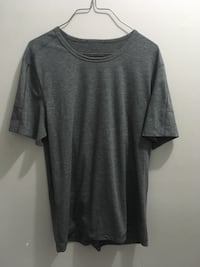 Men's large lululemon shirt  Edmonton, T5E 2T3