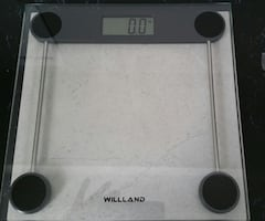 *** BRAND NEW ELECTRONIC SCALE ***
