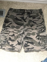 Men's small cargo shorts  Edmonton, T5Y 2Y9