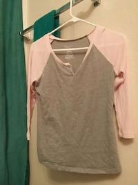 Gray and pink t-shirt Antioch, 94531