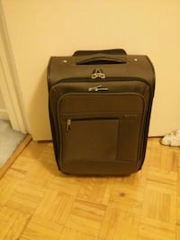 Carry-on suitcase/bagage de cabine  Kirkland, H9H 3L4