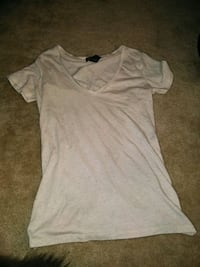 gray v-neck t-shirt Manassas, 20109