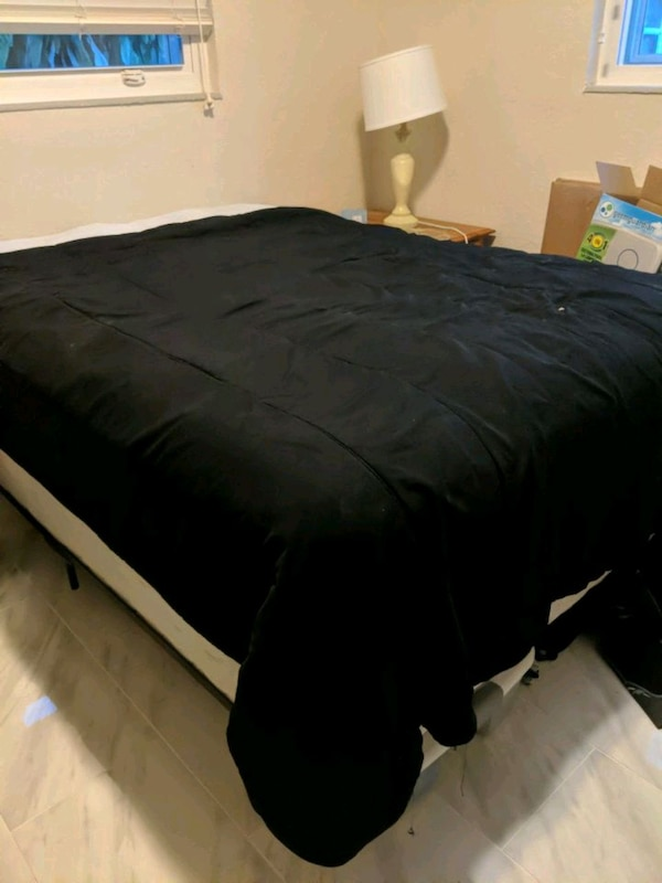 Full size bed, mattress, boxspring and metal frame