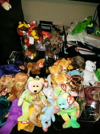 Hundreds of Beanie Babies all in excellent conditi Stockbridge, 30281