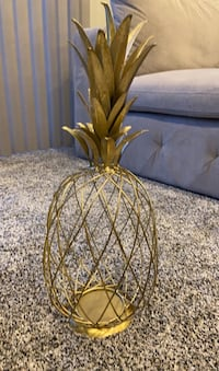 Metal Pineapple Decor