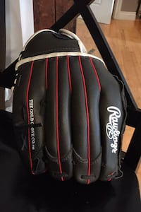 Left handed ball glove. Used maybe 10 times.