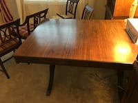Antique table and 4 chairs Warrenton, 20187