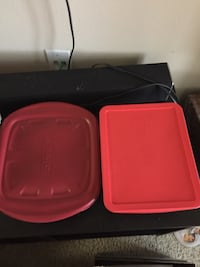 two pink plastic food containers Orange, 92868