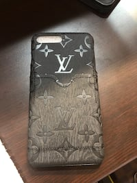 Louis Vuitton iphone case 6,7,8plus  Abbotsford, V2S
