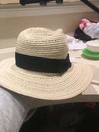 BANANA REPUBLIC SUN HAT - BNWT