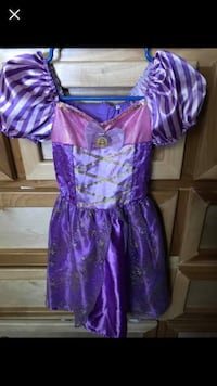 Girl dresses up costumes size 4/6