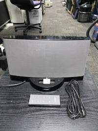 BOSE SOUNDDOCK WITH ANDROID AUDIO LINE, IPHONE ADAPTER AND REMOTE CON Indianapolis, 46205