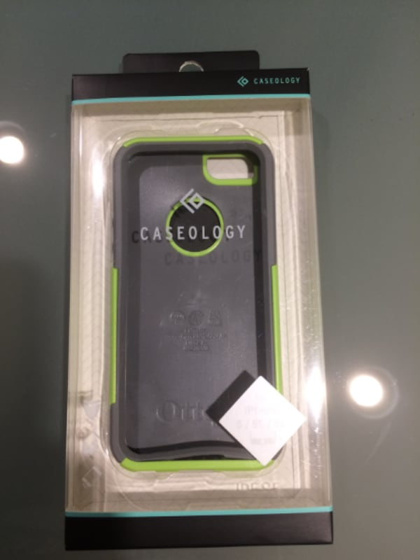 iPhone 5S Unlocked, 16 Gb with 7 Brand New Cases d56e0b57-94e2-4706-a3f3-b3b81dbf0225