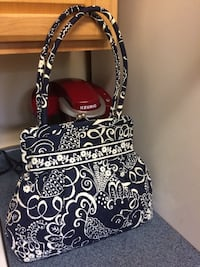 Black and white floral Vera Bradley shoulder bag San Antonio, 78251