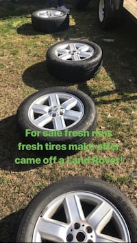 Landrover wheels and tires good condition 450 obo Temple Hills, 20748