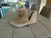 unpaired brown suede boots Fairfield, 94533