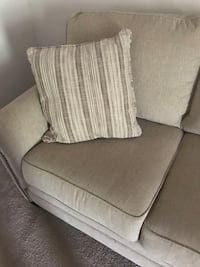 3 seater beige couch New Braunfels, 78130