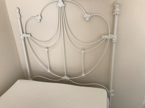 Headboard-White Twin-size Metal Bed headboard