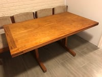 Dining table and chairs Front Royal, 22630