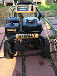 Dewalt 3400 psi. Runs great