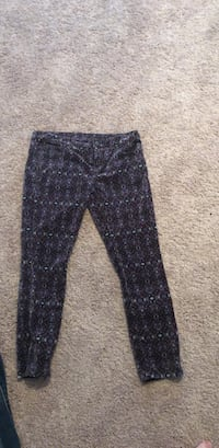 Black and gray floral pants Catlett, 20119