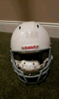 white and black Riddell football helmet Aldie, 20105