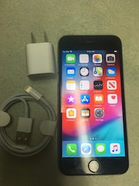 iPhone 6s unlocked 64 gb works perfect Mississauga, L5C 2E7