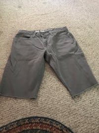 Men's cutoff shorts barely worn great condition size 32 Puyallup, 98374