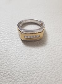 Brand New 18k Yellow & White Gold Mens Ring Burnaby