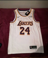 Camiseta Lakers Bryant Alcobendas