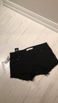 TWO PAIRS (BLACK AND WHITE) Talula shorts, tags on/never been worn Toronto, M6K 3P4