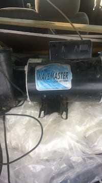 2 8200 Jet Pump and 1 so Audio Amplifier 4 channel amp it can out of A hot tub Jackson, 39209