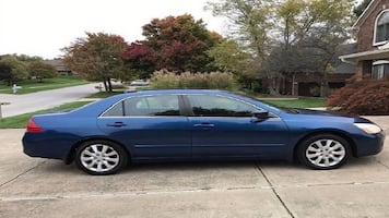 blue.O6 Honda Accord EX