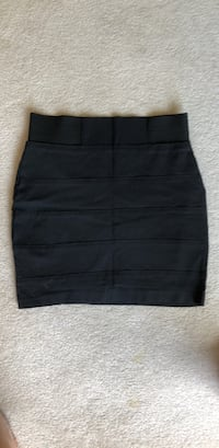 Black skirt size small  London, N6B 5H4