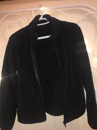 black fluffy zip up sweater size s Coquitlam, V3H