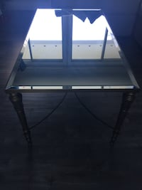 Beautiful Rectangular gold/ bronze Metal and mirrored coffee table Abbotsford, V2S 4K8