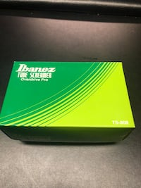 Original Ibanez TS808 Tube Screamer with adapter for pedal board .
