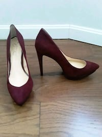 Burgundy Closed Toe Size 11M Baltimore, 21217