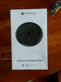 black and gray Samsung wireless charging pad 2319 mi