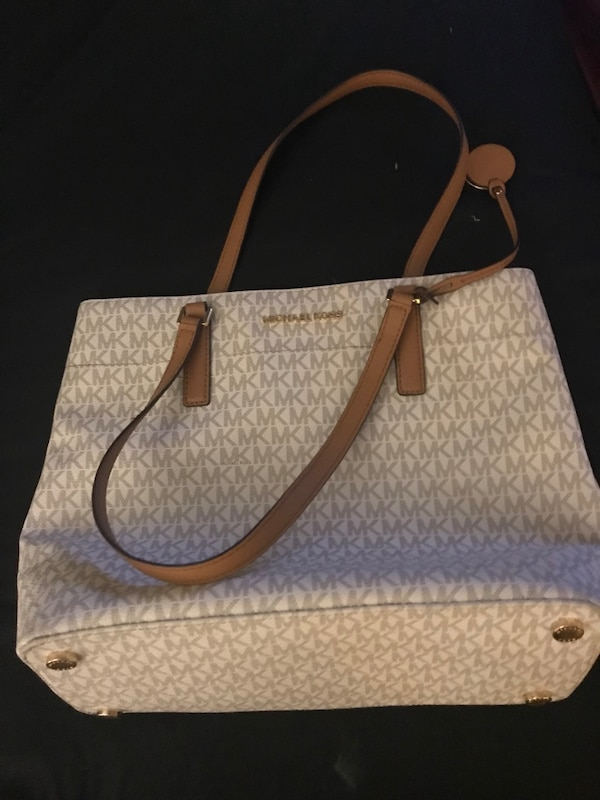 fc2a1d06d3b1 Used Michael Kors bag for sale in New York - letgo