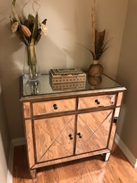 Mirrored console table Mississauga, L4Z