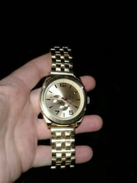 Gold Tone Analog Watch 3749 km