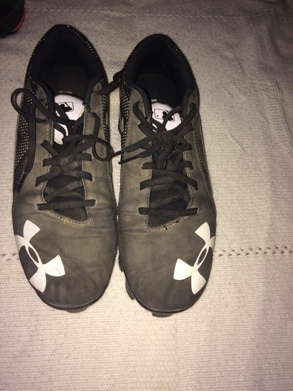 Boys sz 8 cleats