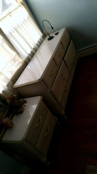 Bedroom set night stand Wareham, 02571