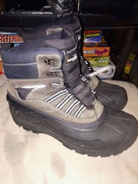 Outbound size 9 boots $20 Kingston, K7L